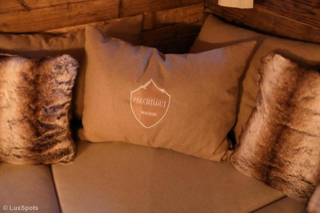 Kissen mit Prechtlgut-Logo