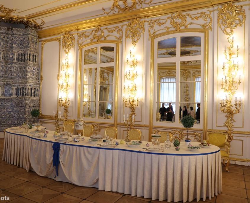 Langer gedeckter Tisch im Katharinenpalast